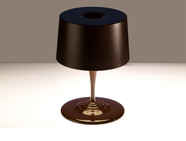 table_Chocolate_lamp_01.jpg